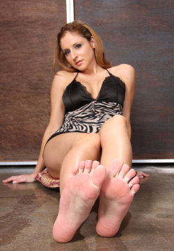 feetslave galleries 16